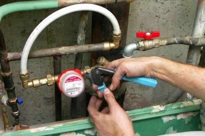 Установка счетчика холодной воды в квартире